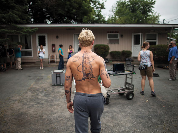 cess-on-set-the-place-beyond-the-pines-ryan-gosling-01-h