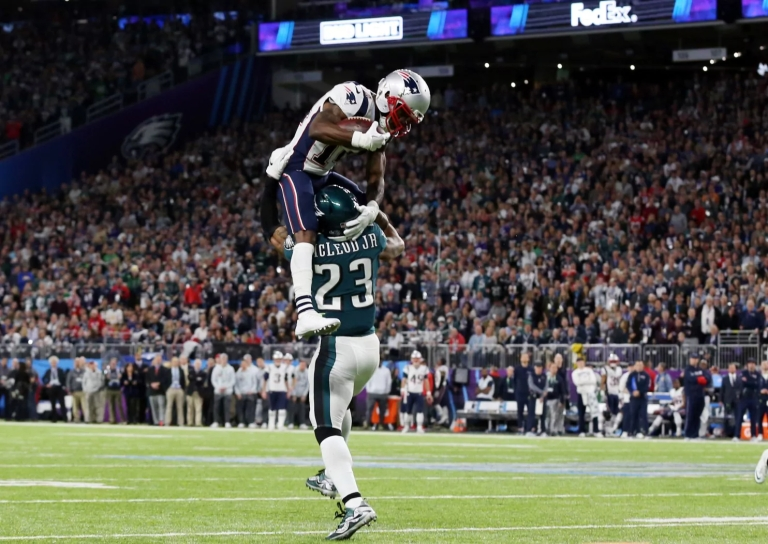 2018-02-05T002201Z_414226365_NOCID_RTRMADP_3_NFL-SUPER-BOWL-LII-PHILADELPHIA-EAGLES-VS-NEW-ENGLAND-PATRIOTS